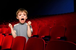 kid-crying-in-movie-theater