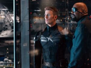 Captain-America-2-The-Winter-Soldier-Official-Still-New-Uniform