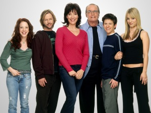 8 SIMPLE RULES - AMY DAVIDSON, DAVID SPADE, KATEY SAGAL, JAMES GARNER, MARTIN SPANJERS, KALEY CUOCO