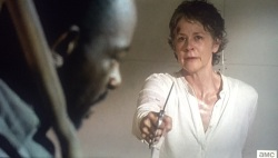 TWD S6E8 Carol fighting Morgan